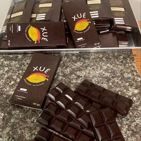 barras-de-chocolate-artesanal-xué.jpg
