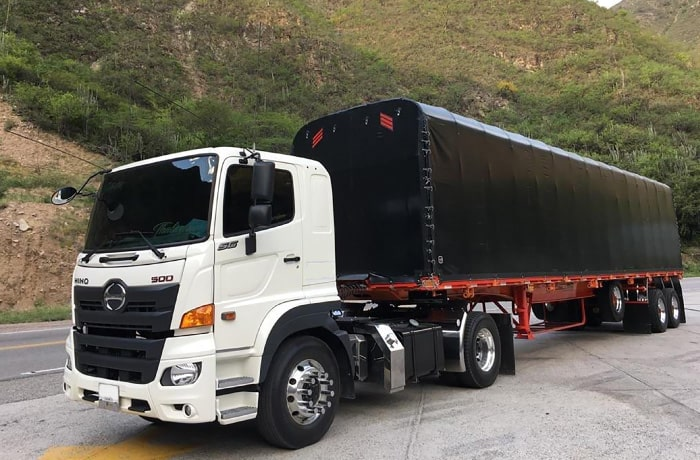 Camion Hino SG-Minimula trailer-y-estacas Autoamerica.jpg