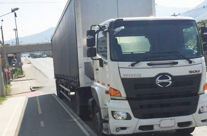 Camion Hino SG-Minimula trailer-y-furgon-carga-seca Autoamerica.jpg