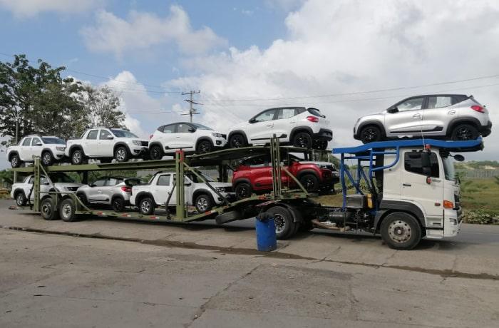 Camion Hino SG Minimula trailer-ninera Autoamerica.jpg